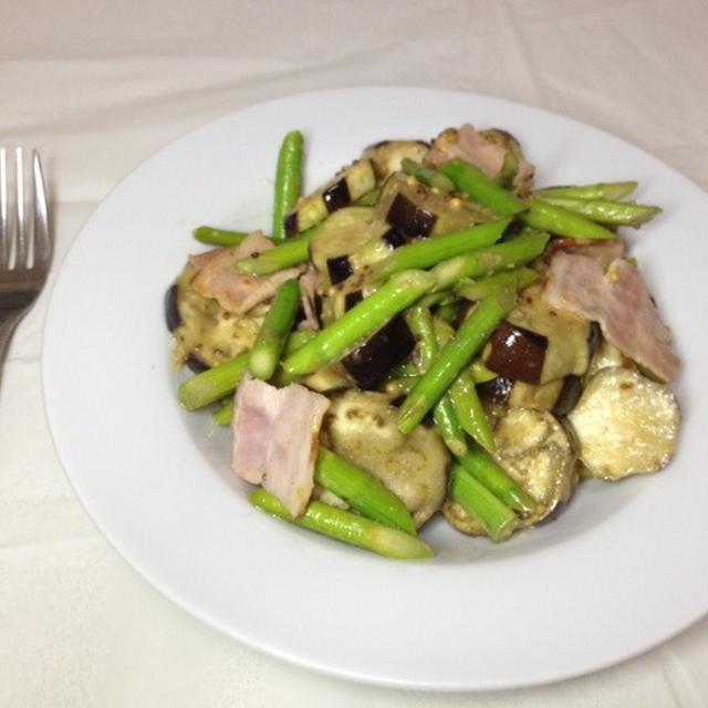 季節の野菜!なすとベーコンのマスタード蒸しレシピ
