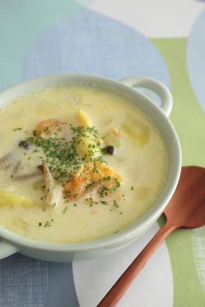 「シーフードサフランクリームスープ」【スパイス大使】(レシピ)
