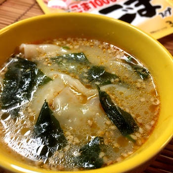理研ビタミン 「焙煎ごまスープ」で身体がポカポカ温まる水餃子入りスープ♪