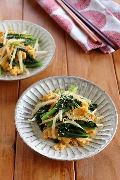 簡単副菜♪小松菜ともやしの卵炒め