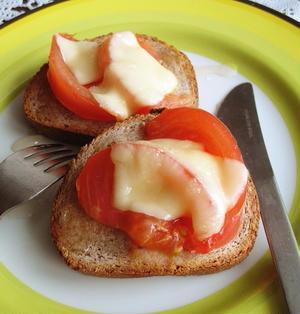 はちみつトマト&とろ~りチーズのタルティーヌ