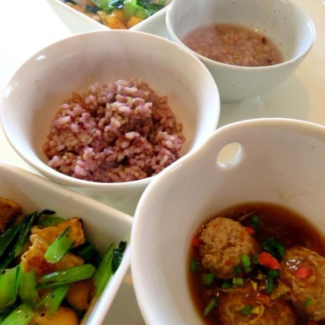 蓮根と鶏胸肉のつみれ餡かけ と 柿の牡蠣油炒め を作った。
