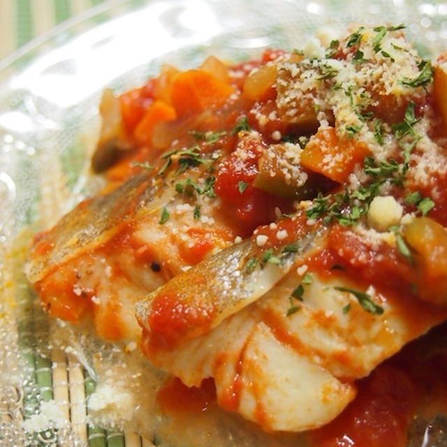 タラと夏野菜のトマト煮込み