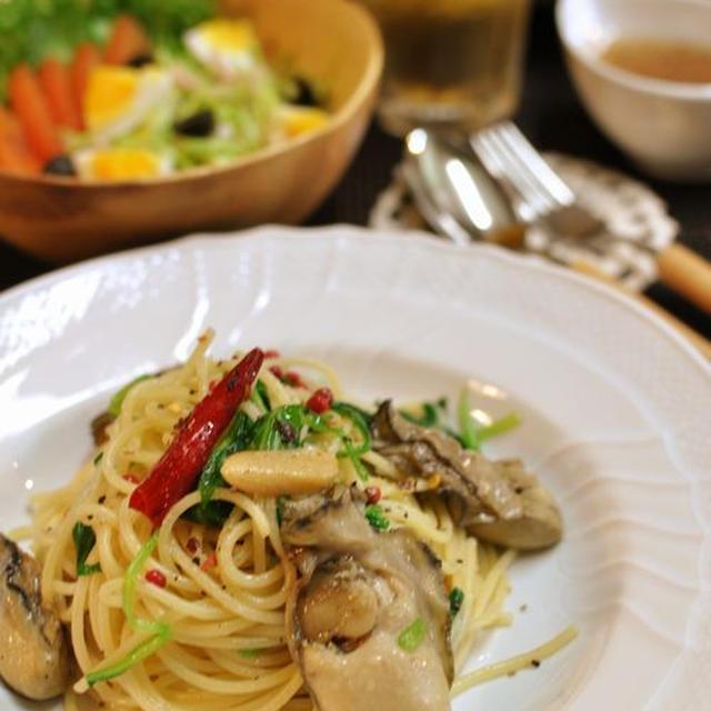 牡蠣のオイル漬けとほうれん草のパスタと塩麹漬鶏ムネ肉のオーブン焼き