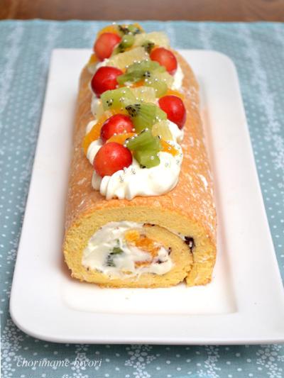 ブッセ風フルーツロールケーキ。フルーツたっぷり!お誕生日&お祝い♪