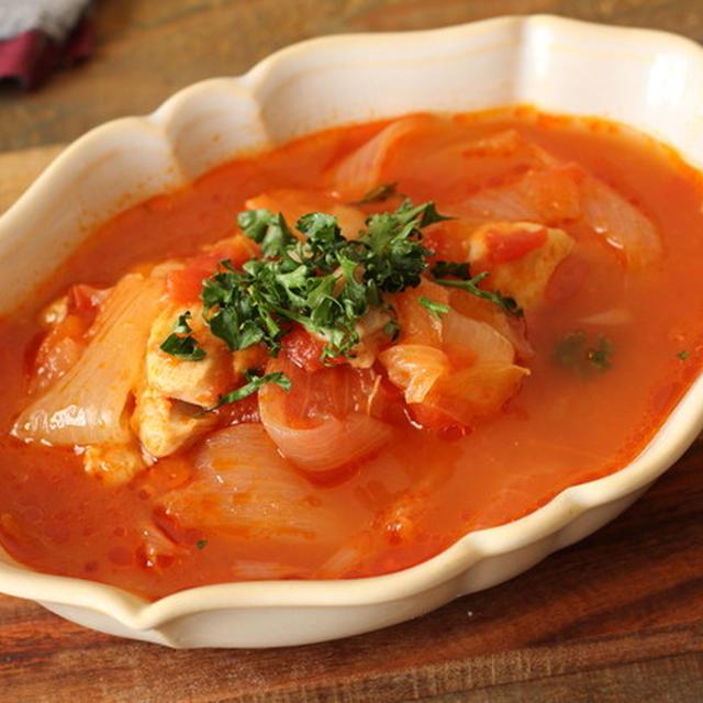 【レシピ】旬を楽しむ鶏肉と新じゃがいもと新玉のトマト煮込み。/電気圧力鍋