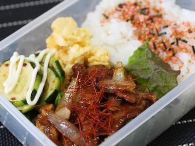 >3/11 豚肉の甜麺醤炒め弁当 by mossaさん