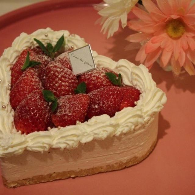 可愛いいちごのレアチーズケーキ(レシピ) くびれてます