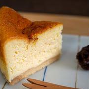 自家製サワークリームのスフレチーズケーキ