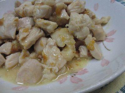 塩麹がいい仕事します♪ しっとり鶏むねのコロコロ梅マヨ炒め