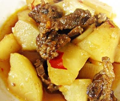 【四川料理 レシピ】翌日もっとうまい!牛肉と大根の豆瓣醤煮込み(牛肉烧萝卜)!
