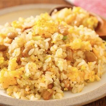 レンジで簡単! 「パラパラ納豆チャーハン」のレシピ