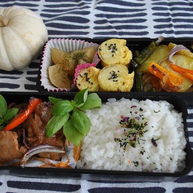 * 生姜焼き弁当 − キッチンのディスプレイ