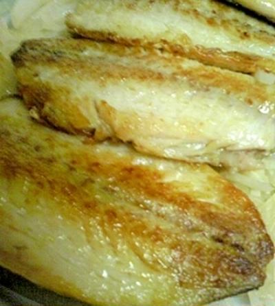 鰺のオリーブオイル焼と千切り大根炒め