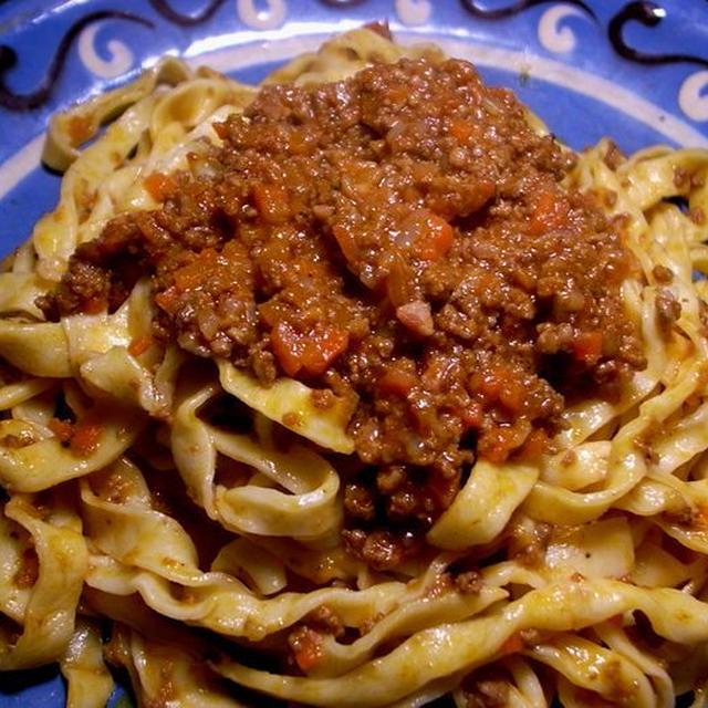 今日の一皿《手打ちタリアッテッレのラグー・ソース》 Tagliatelle al ragù alla Bolognese