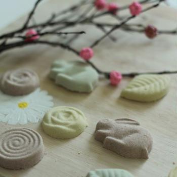 春の干菓子と絵付けレッスン参加募集~dinette wagashi~