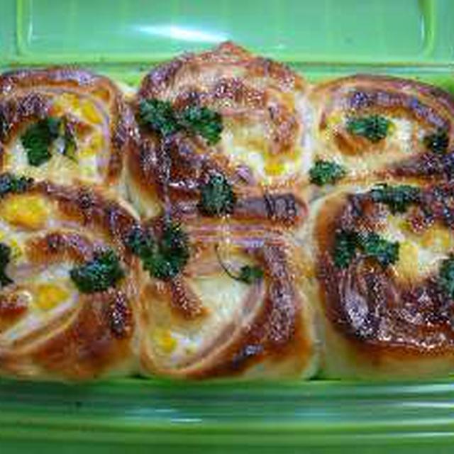 ルクエでハムチーズパン。