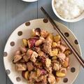 ごはんがすすむ~!鶏もも肉とさつまいものカンタン黒酢炒め
