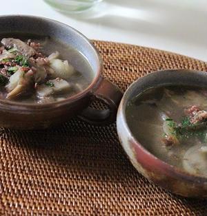 コンビーフとマッシュルームの♪にんにくペッパー*スープ☆彡