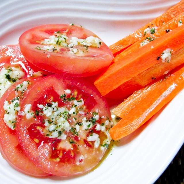 塩麹ドレッシングでトマト&人参を食べる。^^