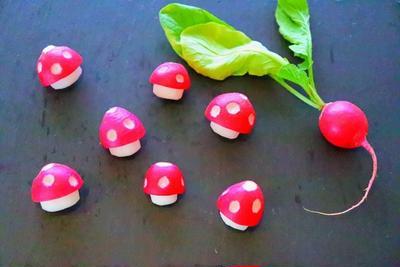 【飾り切り】ラディッシュでスーパーマリオ風キノコを作る方法