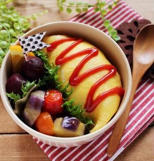 オムライス弁当*レンジでケチャップライスレシピと綺麗な薄焼き卵を焼くコツ