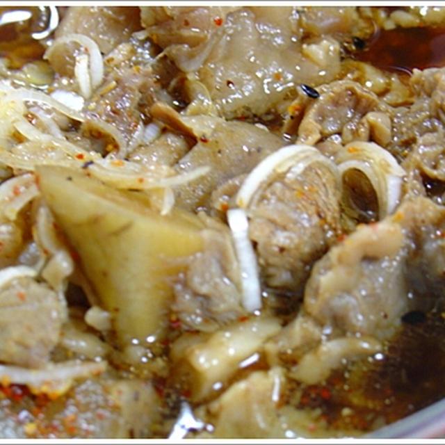 牛すじ煮込み(すじこん♪)お味噌味。