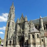 パリから日帰りで行ける中世都市-SENLIS