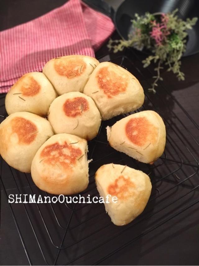 2.ワンボウルで超簡単!フライパンで作るちぎりパン