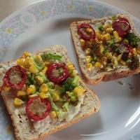 自宅にある材料活用 常備野菜でオーブントーストの朝食