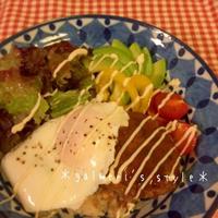 作り置き豆腐ハンバーグとうまソースで♪簡単ロコモコ丼