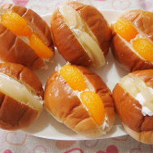 11/15 ☆缶詰とホイップクリームのバターロールサンド☆