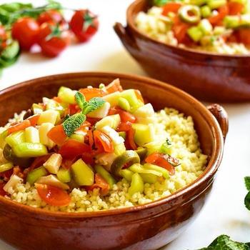 【お弁当や持ち寄りパーティーにも♪】トマトとキュウリの地中海風クスクス