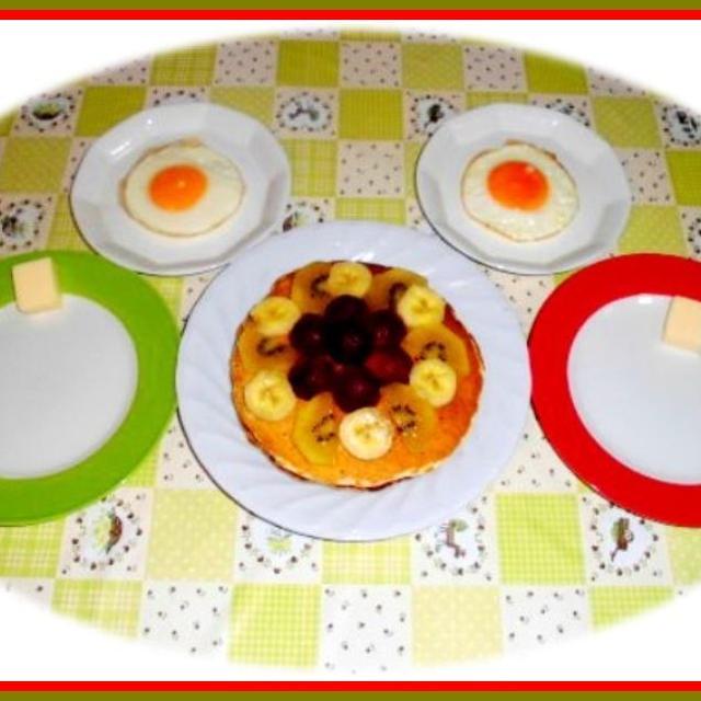 今朝はパンケーキで朝ご飯