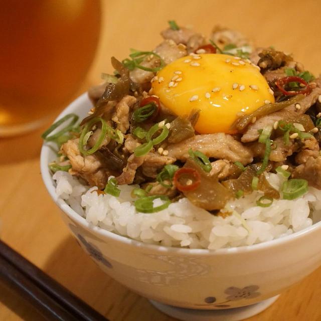 簡単!ピリうま!『豚肉高菜丼』【フライパンのみでOK】