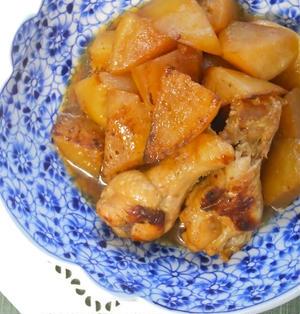 コク旨で味しみ大根でゴハンがすすむ!大根と手羽元の香り炒め煮。