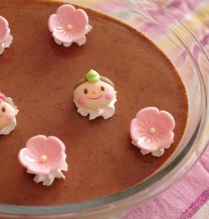 ひな祭りのスコップケーキ(3色プリン)☆冷やして固める簡単チョコレートのプリン