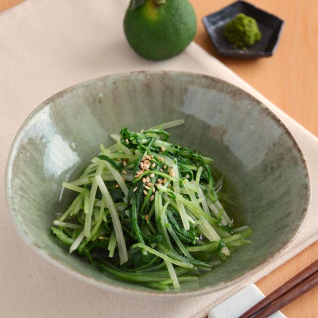 水菜のゆずこしょう和え。レンジで加熱し混ぜるだけ。【農家のレシピ帳】
