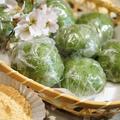 ■季節の和菓子【野摘みヨモギで お彼岸の時に草餅を作りました。餡子入りできな粉添えです♪】