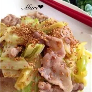 つくれぽ2000超え☆「ご飯が進む豚バラとキャベツの味噌炒め」、おりがみ。