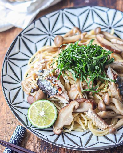 秋刀魚ときのこの和風しょうがパスタ