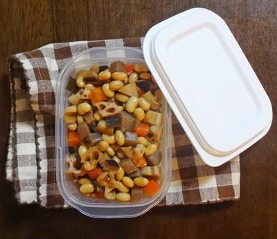 ストウブで ふっくら美味しい五目豆