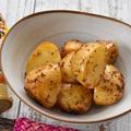 オーブンで簡単レシピ|新じゃがの粒マスタードとメープルのオーブン焼き