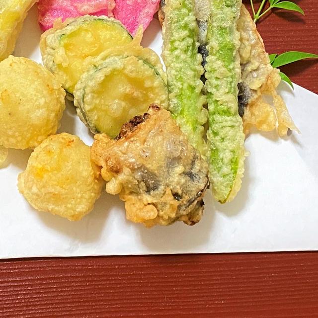 薬膳ってなぁに?今日は健康運の天ぷらがラッキー、アジの梅しそ巻きの天ぷらで薬膳!