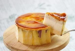 パリッと香ばしいキャラメリゼの先には、優しい甘みのさつま芋ペーストとムースがたっぷり♪ふわっと軽やか...