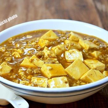 風味はカレー味は麻婆「カレー麻婆豆腐」&久しぶりにのカップ麺「ビックチキフェス」