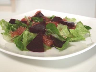 血液の循環を良くして便秘、貧血を解消そして疲労回復、デトックスサラダ