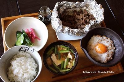 とろろ納豆・肉味噌の、朝ごはん