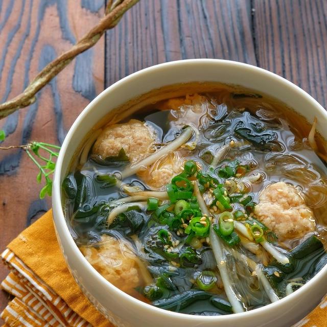 包丁不要!簡単!鶏団子とわかめともやしの春雨スープ
