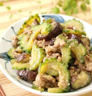 夏の定番お野菜で「ゴーヤとなすと肉みそ炒め」